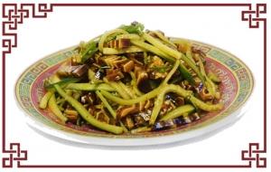 Салат с ароматными ушками (250г)