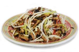 Салат с овощами и рулькой (250г)