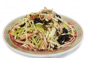 Салат овощной с говяжьим языком (250г)